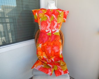 Vintage Sheath Dress, Norma Maiers by Tori Richards - Made in Hawaii - Measurements Below