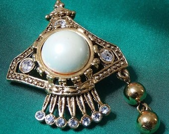 Vintage Brooch Pin Ornate Detailed Design Ice Rhinestones Spray Across Base Central Pearl Look Cabachon Button with Tassle Drop Gold Tone