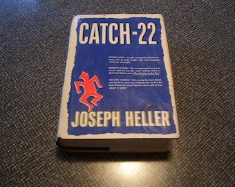 Catch-22 by Joseph Heller Catch 22 HC/DJ Book Club Ed 1961 Vintage