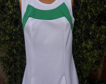 Vintage 1970s Polyester Tennis Dress With Green Block Trim.Size 11-12