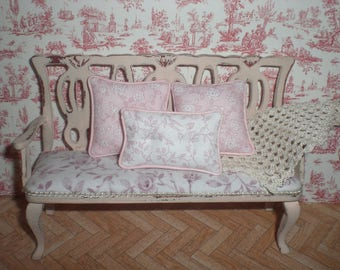 Miniature 1/12. Set of pillows in pink