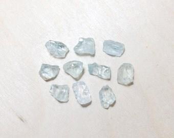 Rough aquamarine, raw aquamarine crystal lot // B*2999