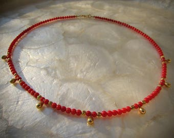 necklace with solid gold 18 karat 18k and vintage beads