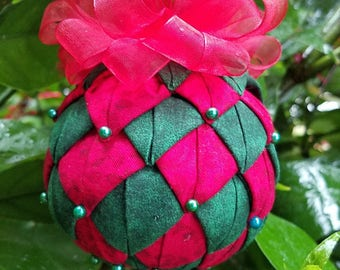Christmas Quilted  Ornament -  Handmade Quilted Christmas Ornament