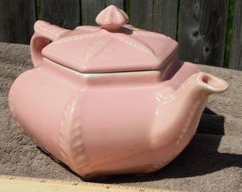 Hall Pink Teapot, Never Used only for Display!