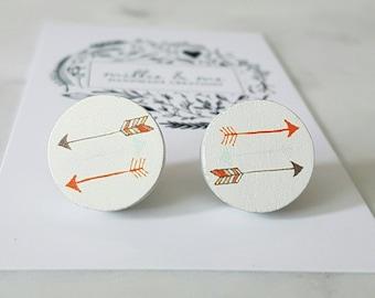 Wooden arrow disc earrings