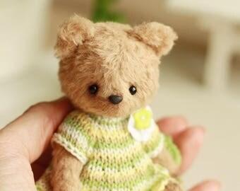 Artist Teddy bear Diana. 4.1 inches