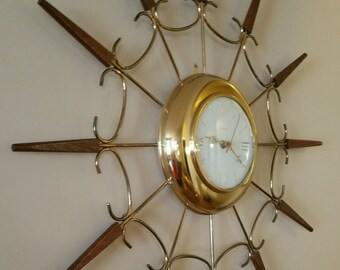 "Vintage United 24"" Starburst Wall Clock, Mid Century Modern Wall Clock, Sunburst Wall Clock, Battery Operated 1960's Wall Clock,"
