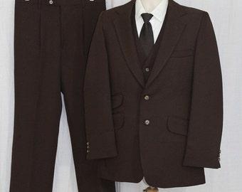 On Sale Vintage 70s Mens 3 Pc Brown JCPenny Polyester Leisure Retro Vest Suit 40R 32x29