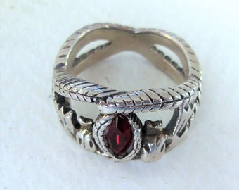 Amazing Vintage Solid Silver Garnet 'Lord of the Rings - Ring of Aragorn' Ring - Mans