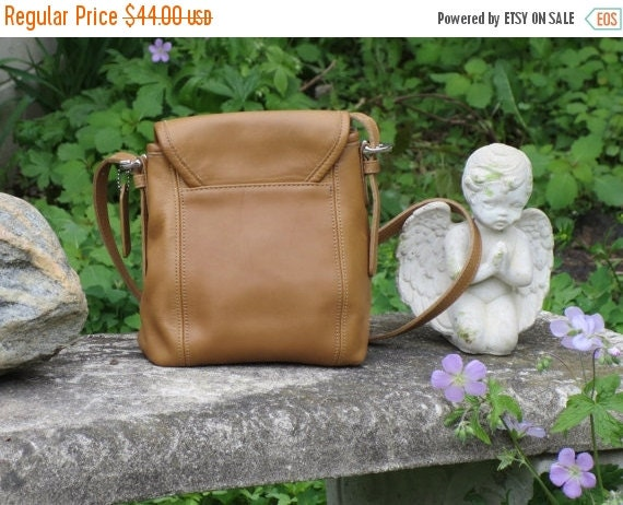 Football Days Sale Coach Beige Tan Leather Soho Flap Small Shoulder Bag #4108 Excellent Condition-
