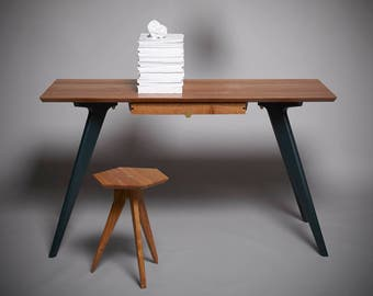 TipToe Desk