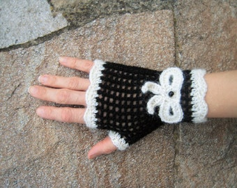 Vintage pin-up fingerless gloves knitted mittens black and white naturel crochet knot bead wool 100% Alpaca steampunk gothic lolita pin-up