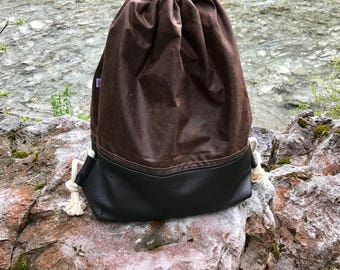 Backpack, bag of original English waxed canvas and leather.