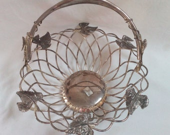 "Large Vintage Godinger Silverplated Art Co. Woven Basket with Handle Grape Bunches & Leaves 12"" x 10"" x 4"""
