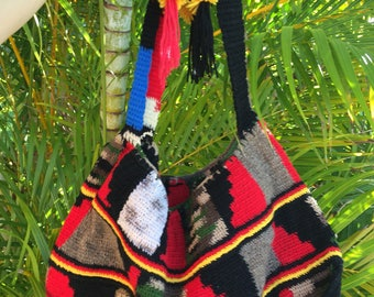 Handmade Bilum Shoulder Bag made in Papua New Guinea