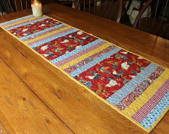 Chicken Table Runner, Rooster Table Runner, Quilted Table Runner, Chicken Kitchen Decor, Country Kitchen Decor, Farmhouse Kitchen Decor