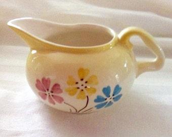 HULL Cinderella Bouquet Creamer 28 4 1/2