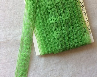 "New Green Seam Binding Lace Trim 11/16"" wide x 4-3/4 yards long"
