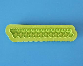 Ruffle Border Mold For Fondant by Marvelous Molds