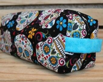 Medium Zippered Skulls and Flowers Pouch