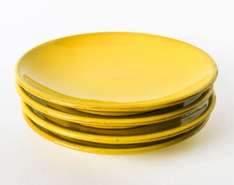 Very 70s vintage yellow breakfast plates - Set of 4 big ceramic dishes