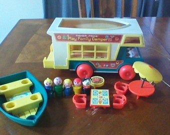 Vintage Fisher Price Little People Play Family Camper 1972 # 994