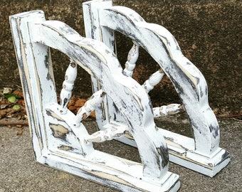 Corbel Set/ Gingerbread/ Farmhouse Style/ Chippy /white distressed/