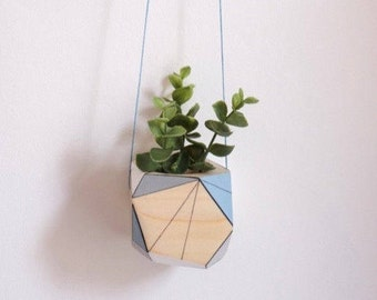 Hanging planter, plant pot, wooden holder, ideal for air plant, cactus or succulent, simple living, minimal, geometric, contemporary, Scandi