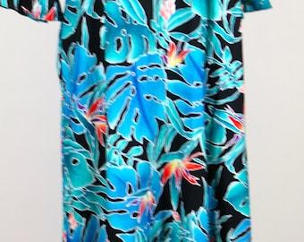 Hilo Hattie Muumuu Black and Blue Print Medium