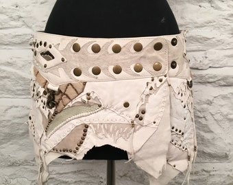 The Zena tribal leather skirt- White