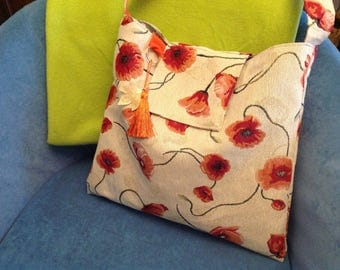 fresh poppies shoulder shopper