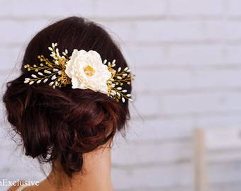 Wedding hair flower comb Ivory bridal hair comb Floral hair piece Gold hair accessory Wedding flower Woodland wedding Hair clip for women