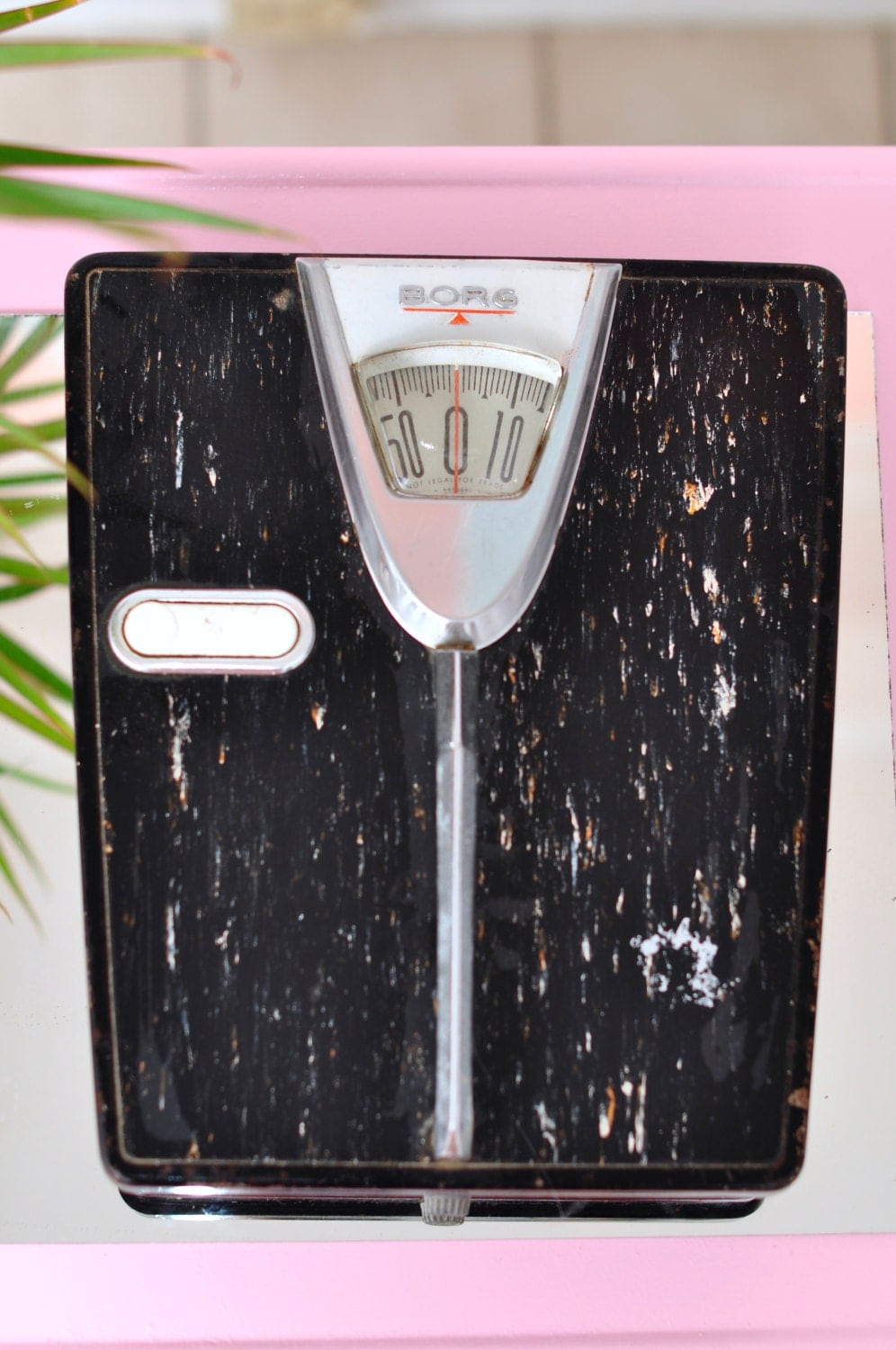 Vintage borg bathroom scale w dial lock and handle retro for Borg bathroom scale