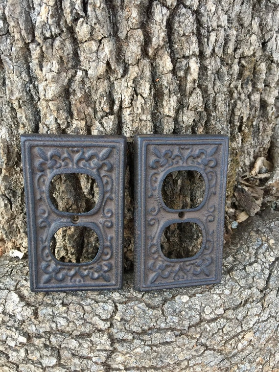 Clearance cast iron plug cover outlet