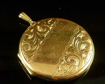 Solid Gold Round Engraved Locket Dated 1975