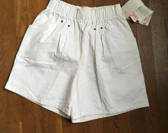 vintage 80s NOS chic short story misses rivet short white cotton high waist baggy shorts made in usa
