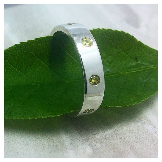 Solid 4MM Flush stone Sterling Silver band
