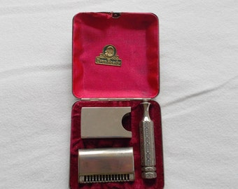 Vintage Ever Ready Razor from the 1910's - 1920's, Ever Ready Single Edge Razor and Travel Kit