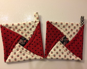 Quilted potholders, Ohio State Colors, trivets