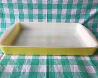 Glasbake J 2026 3 QT yellow milk glass rectangular cake pan/casserole dish