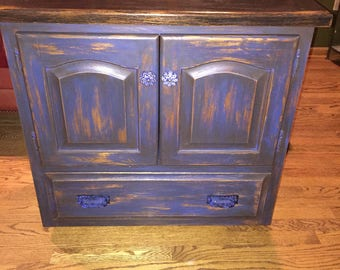 Vitage look TV cart or small buffet for the country kitchen, in blue and browns
