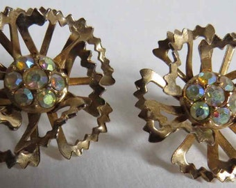 Vintage Sarah Coventry clip earrings from the '60's with aurora borealis stones