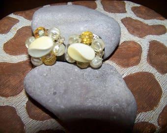 Vintage Beaded Clip Earrings, Made in Japan, Gift for her, Clip earrings, Beaded Earrings, Made in Japan, Round Earrings, Clip on earrings