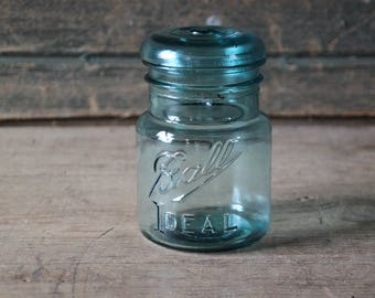 Blue Ball Ideal pint jar with lid