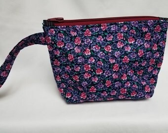 Wild Flowers & Pansies Quilted Wristlet