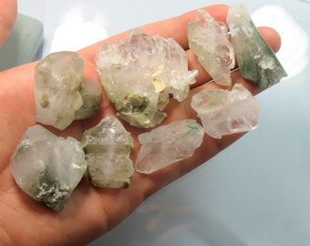 8 Pieces Natural Clorine Quartz Crystals