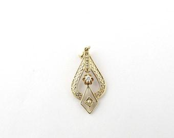 Vintage 14K Yellow Gold Diamond Seed Pearl Filagree Pendant #1258