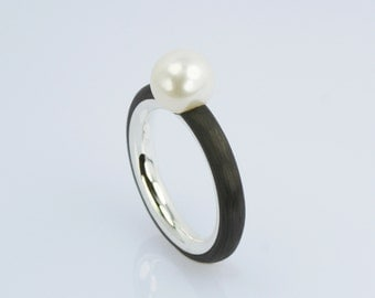 Carbon ring with freshwater Pearl (Musternr. 418)