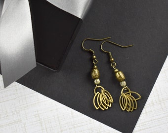 Antiqued Gold Tone Dangle Earrings